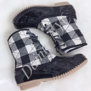 PRICE FIRM❗️Plaid Quilted Duck Boots